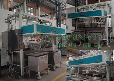Chine Machine industrielle de plateau de pulpe de papier, machine 2000Pcs/H de fabrication de plateau d'oeufs usine